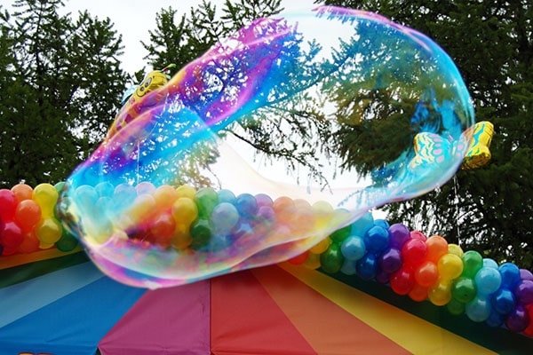 Шоу мыльных пузырей на день рождения