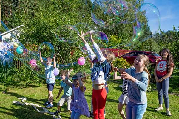 Шоу мыльных пузырей на дне рождения с аниматором Эльзой Холодное сердце